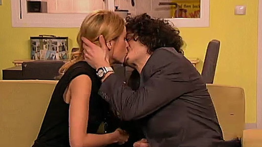 ¡¡¡Javier y Raquel se besan!!!