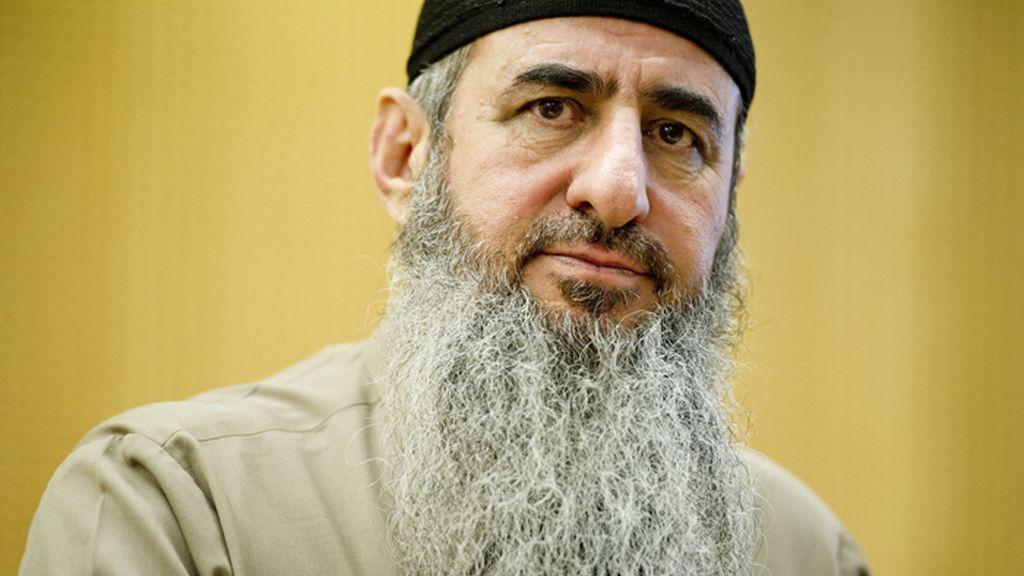 El clérigo de origen iraquí Najmaddin Faraj Ahmad, conocido como Mulá Krekar