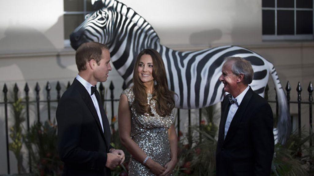 La Duquesa de Cambridge reaparece de gala tras su maternidad