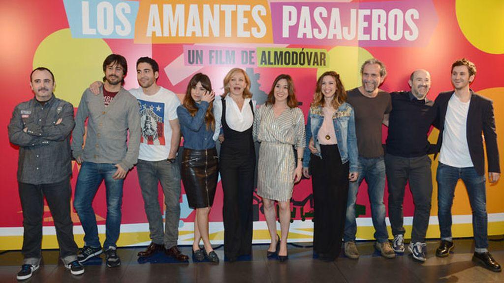 Buen rollo en la presentación con Hugo Silva y Blanca Suárez