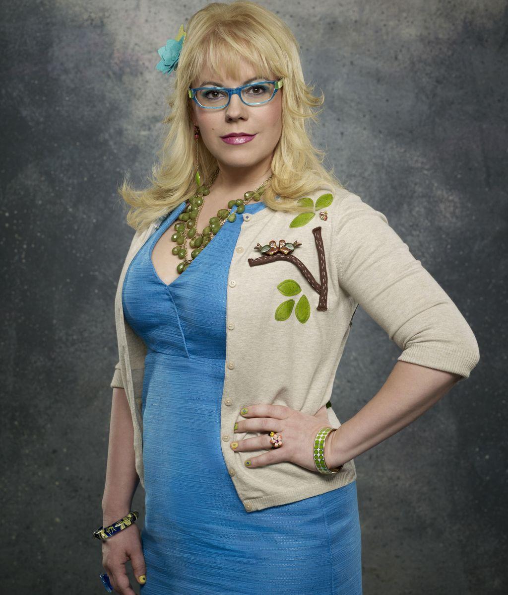Penelope Garcia (interpretado por Kirsten Vangsness)