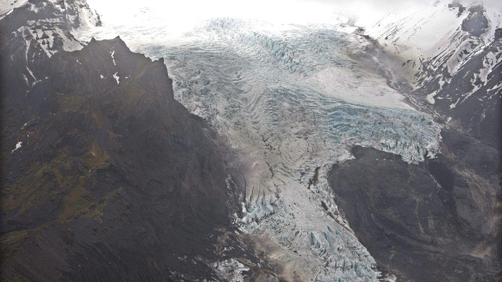 Bajo un glaciar