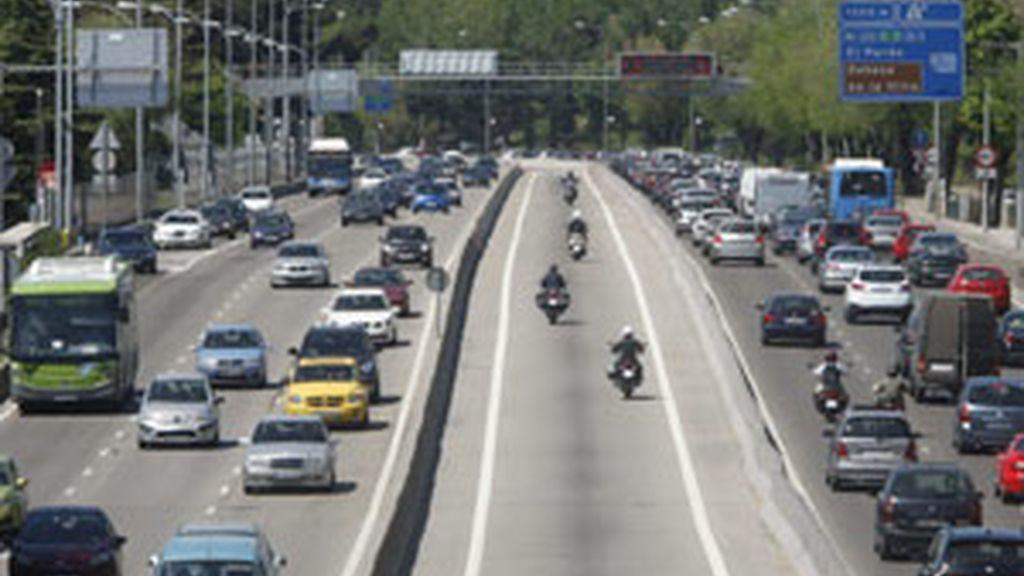 Imagen del tráfico en una de las vías de acceso a Madrid. Foto: EFE