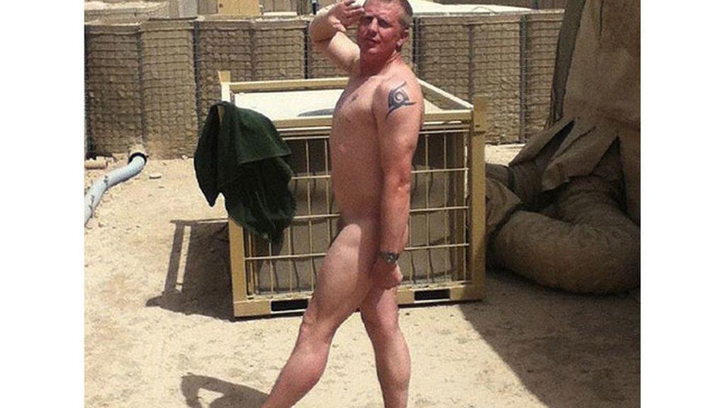 Desnudos por el príncipe Enrique
