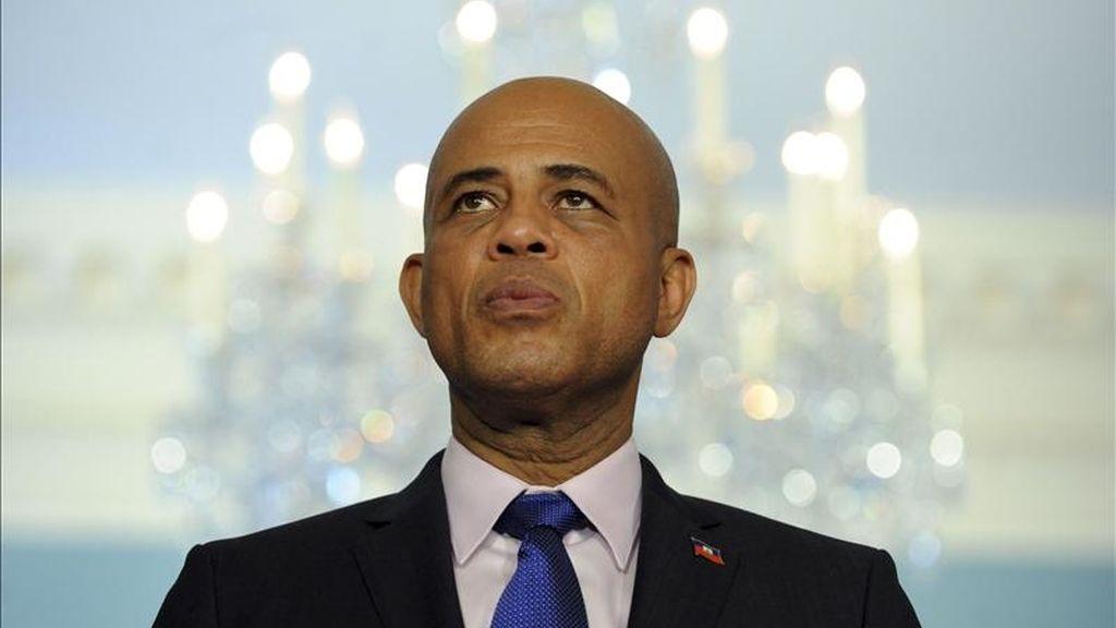 El presidente electo de Haití, Michel Martelly, hace unas declaraciones ante los medios en Washington, Estados Unidos. EFE