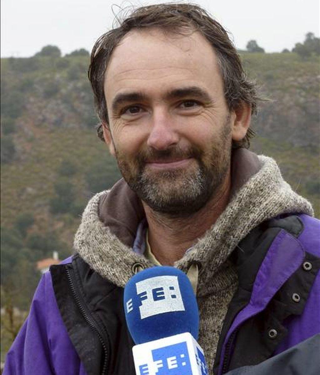 """El arqueólogo y antropólogo Luis Benítez de Lugo Enrich, durante una entrevista con Efe, en la que pone de manifiesto el """"singular"""" legado que las distintas generaciones que han vivido en torno al agua, han dejado en el curso alto del río Guadiana y sus afluentes. EFE"""