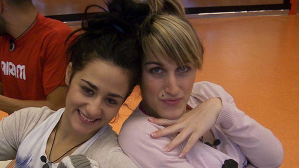 Aroa y Saray