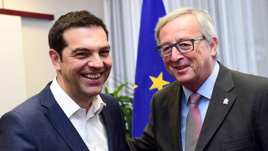 La reunión entre Tsipras y  Juncker: Muchas risas y pocas nueces