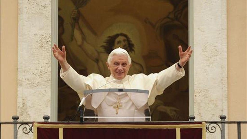 """Benedicto XVI ha dado amplios poderes al comisario pontificio para los Legionarios de Cristo, Velasio De Paolis, que estará al frente """"todo el tiempo que sea necesario"""", y mantiene en sus puestos a los actuales superiores, que estarán """"bajo la autoridad"""" del arzobispo italiano. EFE/Archivo"""