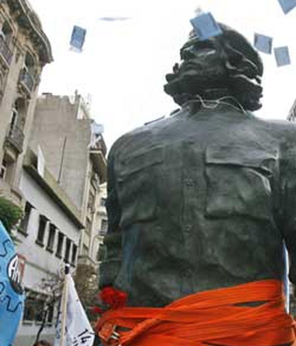 La figura será colocada en El Rosario el 14 de junio con motivo del 80ª aniversario del nacimiento de Guevara. FOTO: EFE