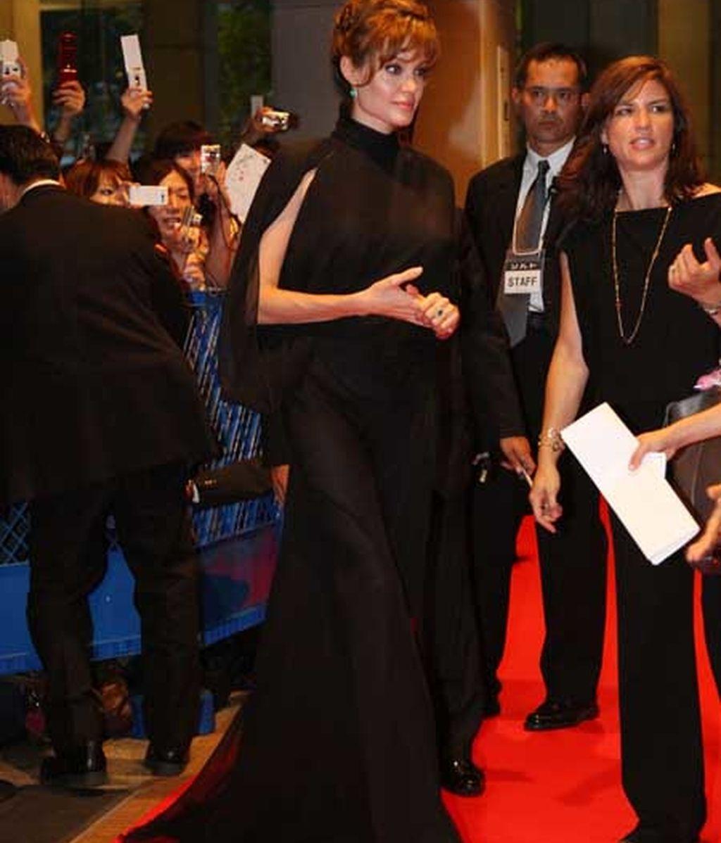 Angelina Jolie, espectacular en la premiere de 'Salt'