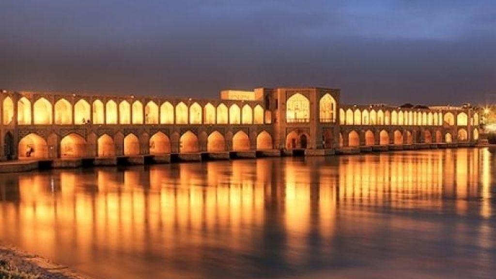 Puente Khaju, Irán