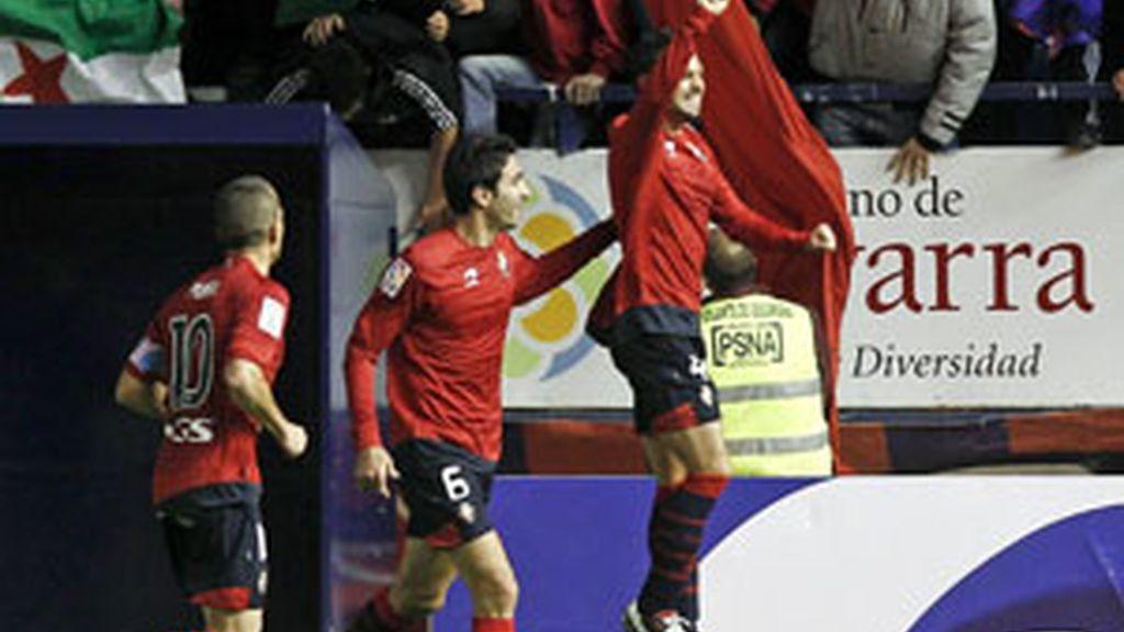 Miguel Flaño, celebra el primer gol de Osasuna FOTO: EFE