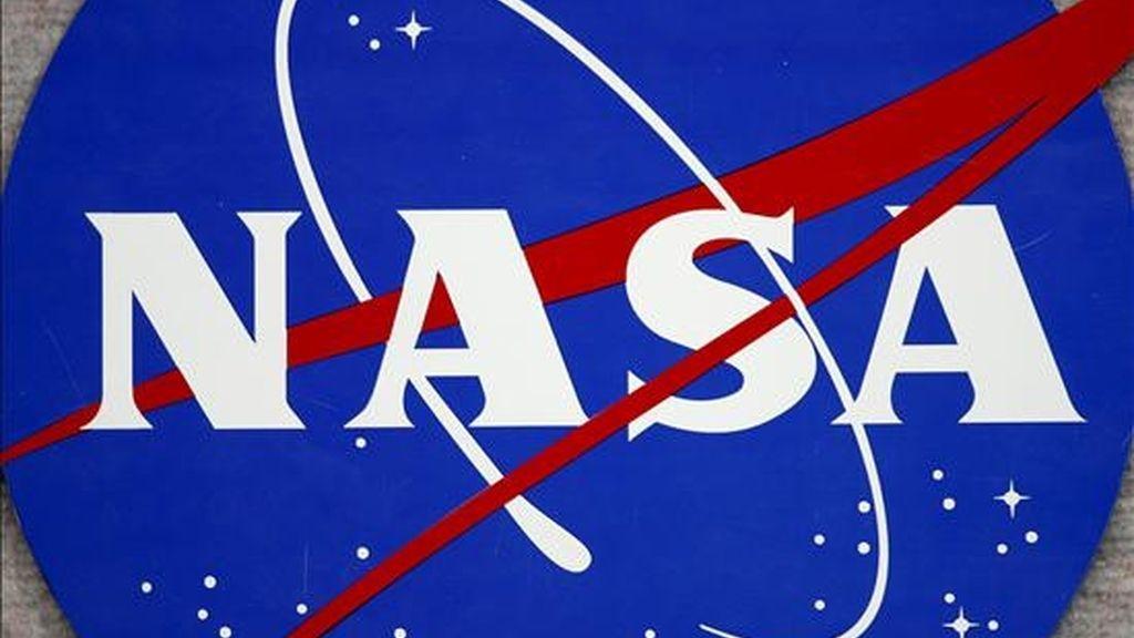 El entrenamiento se desarrollará en el Laboratorio Aquarius y parte de lo que allí suceda podrá verse en aulas mexicanas de nivel básico a superior. Imagen del logo de la NASA en el Centro Espacial Johnson en Houston (EEUU). EFE/Archivo
