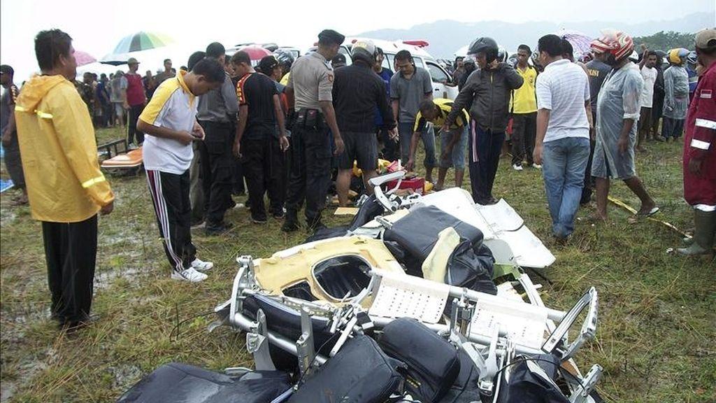 Restos de avión que cayó este sábado al mar cerca de la costa de la provincia indonesia de Papúa, en el este del archipiélago, sin que hubiera supervivientes. EFE