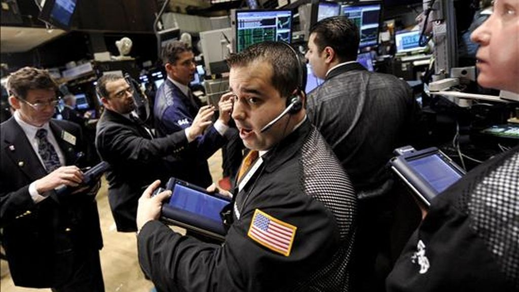 Según datos provisionales al cierre, el Dow Jones de Industriales añadía 127,83 puntos y se ubicaba en 7.969,56 unidades.  EFE/Archivo