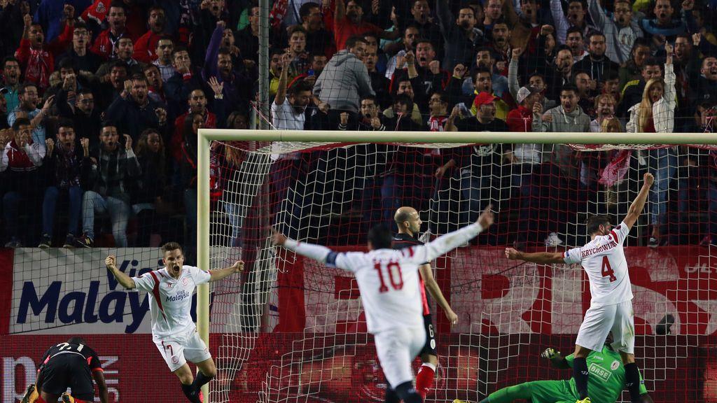 El Sevilla acaricia el pase a dieciseisavos