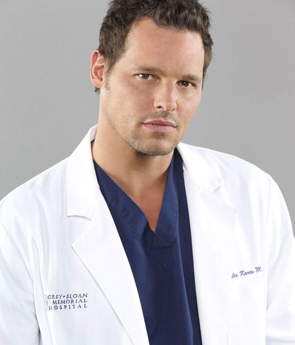 Justin Chambers es Alex Karev, cirujano pediátrico