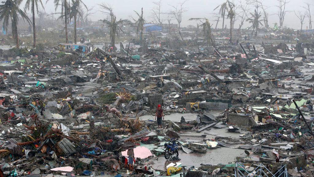 desastre y destrucción tras el tifón Haiyan