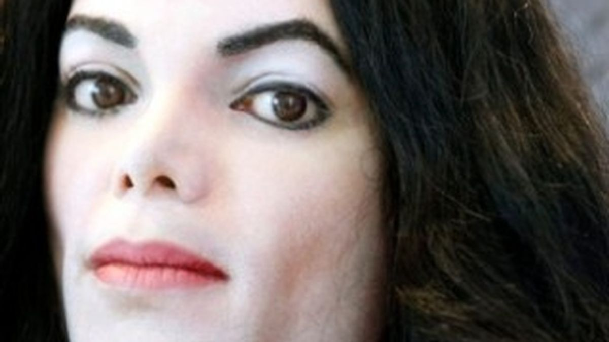 Aumentan los rumores de que circula una foto de Michael Jackson realizada durante la autopsia. Foto de archivo