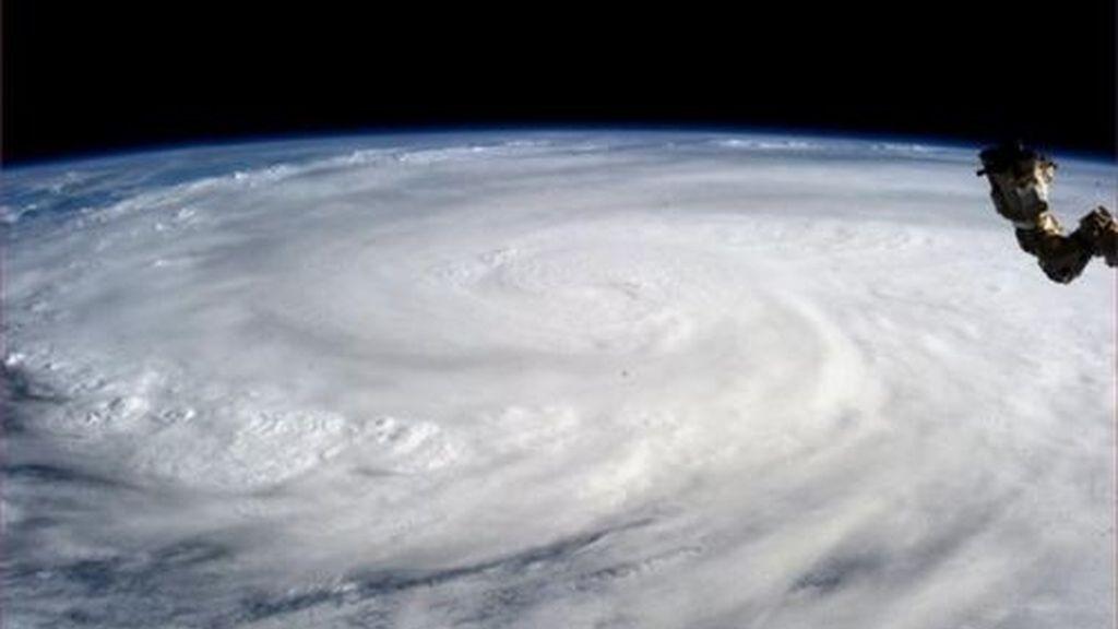 Las agencias espaciales captan a 'Yolanda' desde el espacio