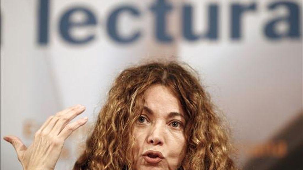 La escritora colombiana Ángela Becerra resultó hoy ganadora del III Premio Iberoamericano Planeta-Casa de América. EFE