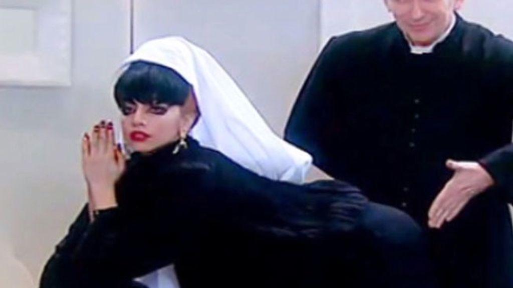 Lady gaga, vestida de monja