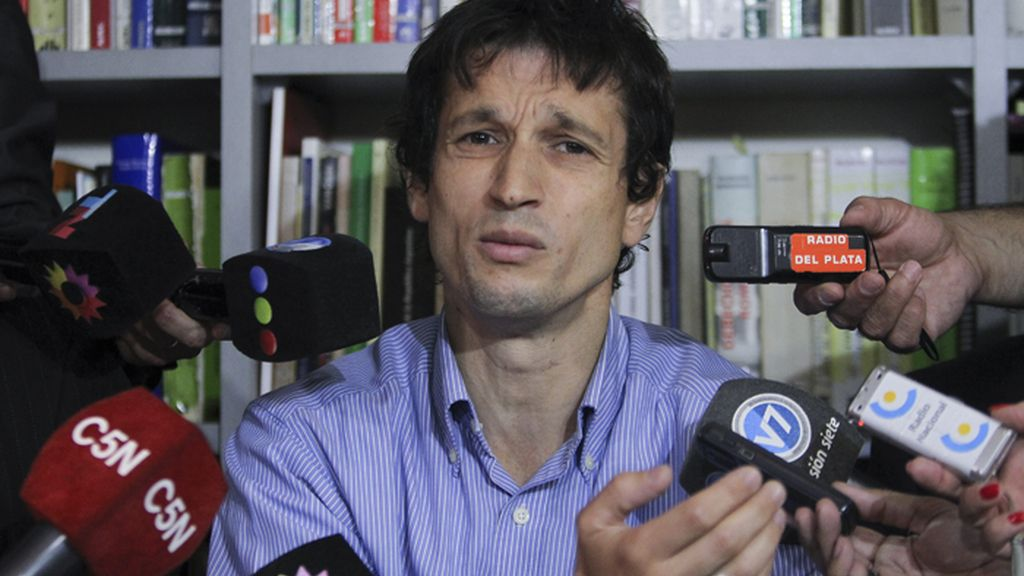 Un colaborador de Nisman afirma que el fiscal le dijo que no iba a usr el arma