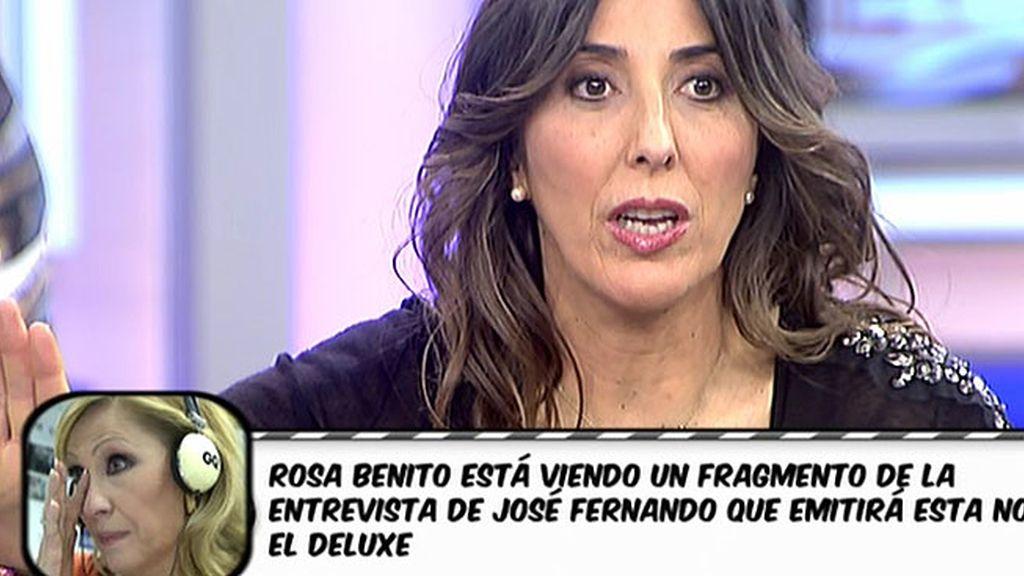 La colaboradora ve parte de la entrevista de José Fernando Ortega
