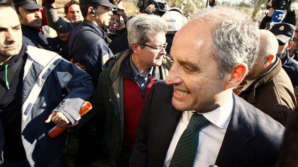 El expresidente de la Generalitat valenciana, Francisco Camps, llega a la Universidad Miguel Hernández de Elche