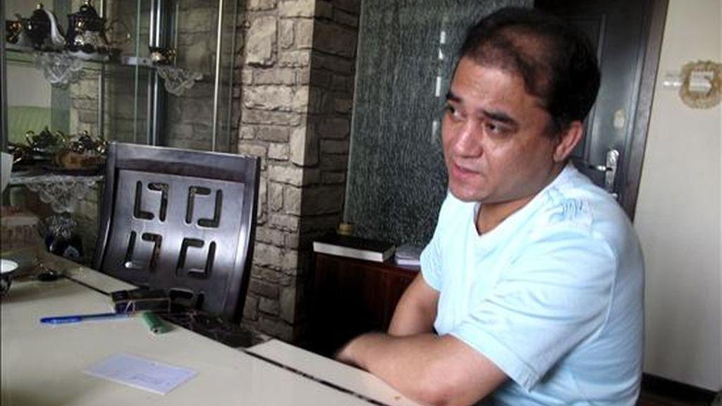 El profesor uigur de Economía Ilham Tohti durante la entrevista concedida a Efe en su domicilio. EFE