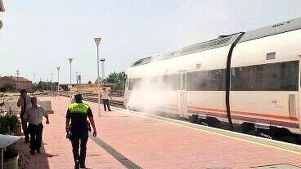 Desalojados 50 pasajeros por un incendio en un tren