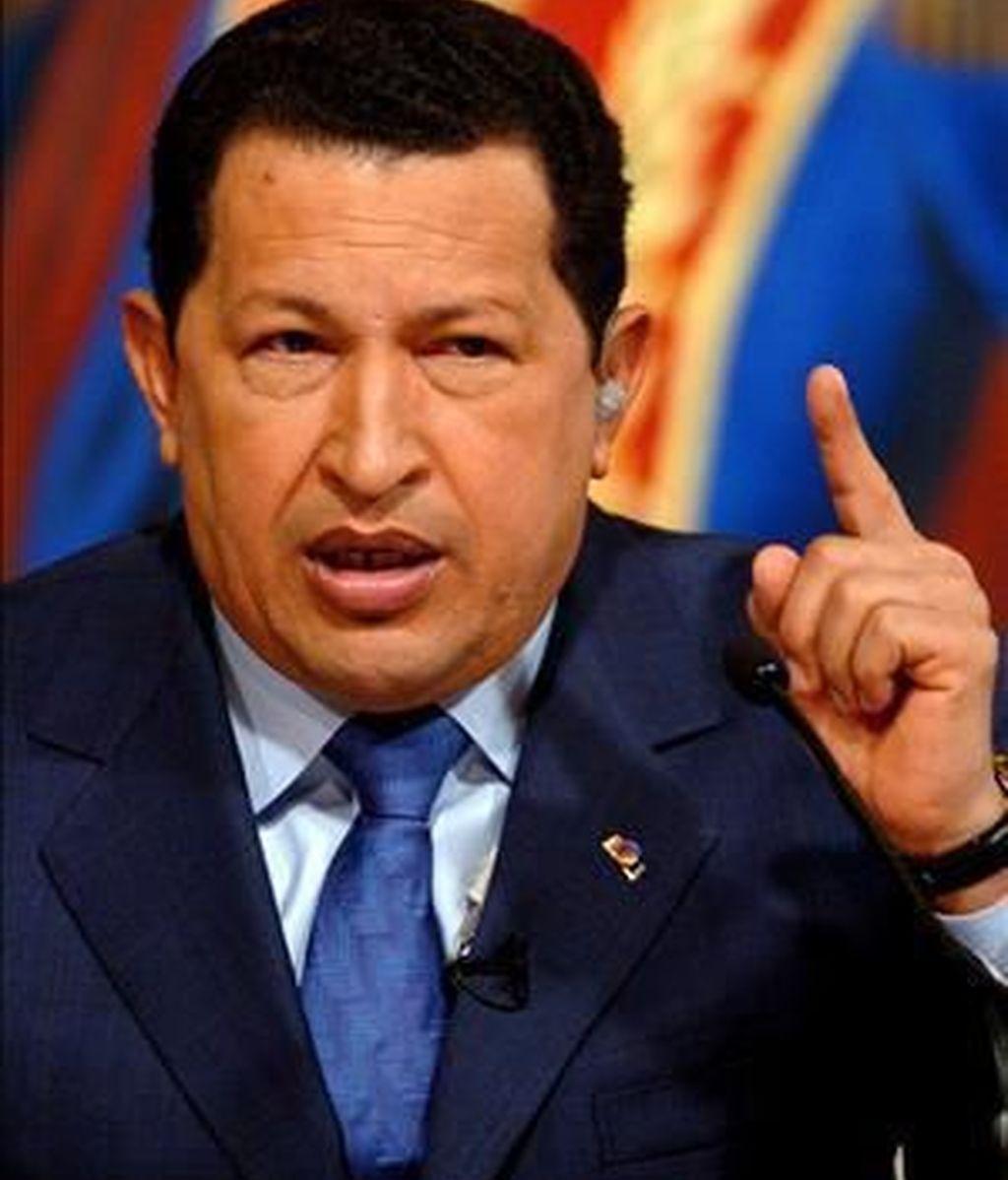 """La polémica sobre la supuesta colaboración del Gobierno de Chávez con ETA se ha reavivado por las acusaciones del ministro de Exteriores de Venezuela que vincula al juez Velazco con la """"mafia de Aznar"""". Video: Informativos Telecinco."""