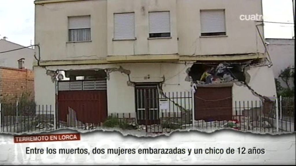 Lorca derrumbada tras el terremoto