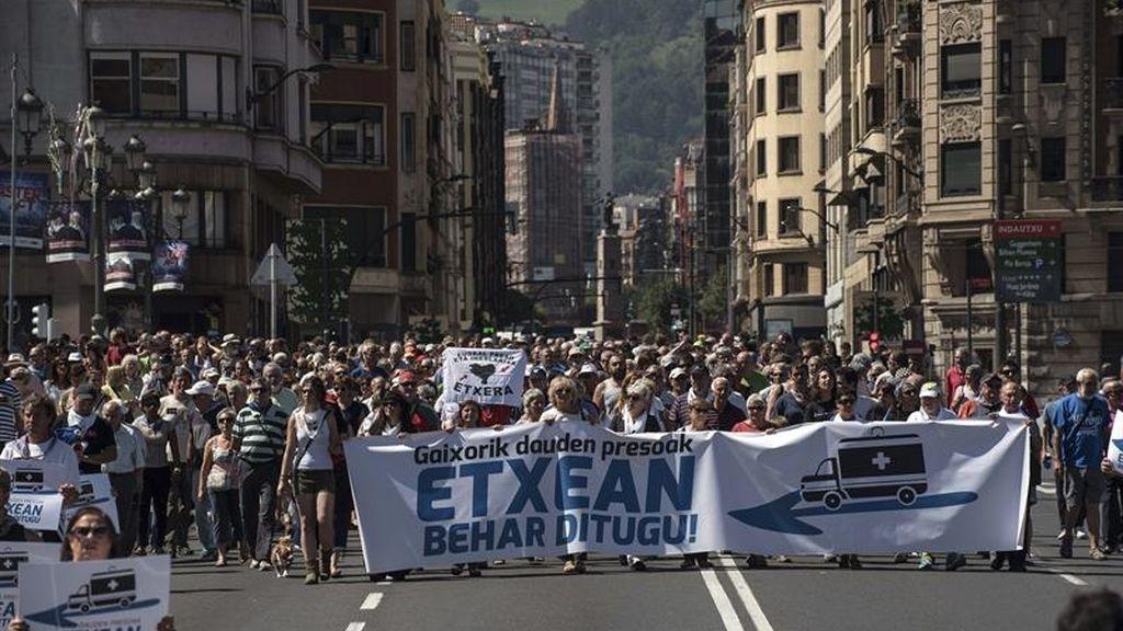 Marcha de familiares de presos de ETA pidiendo el acercamiento de los enfermos