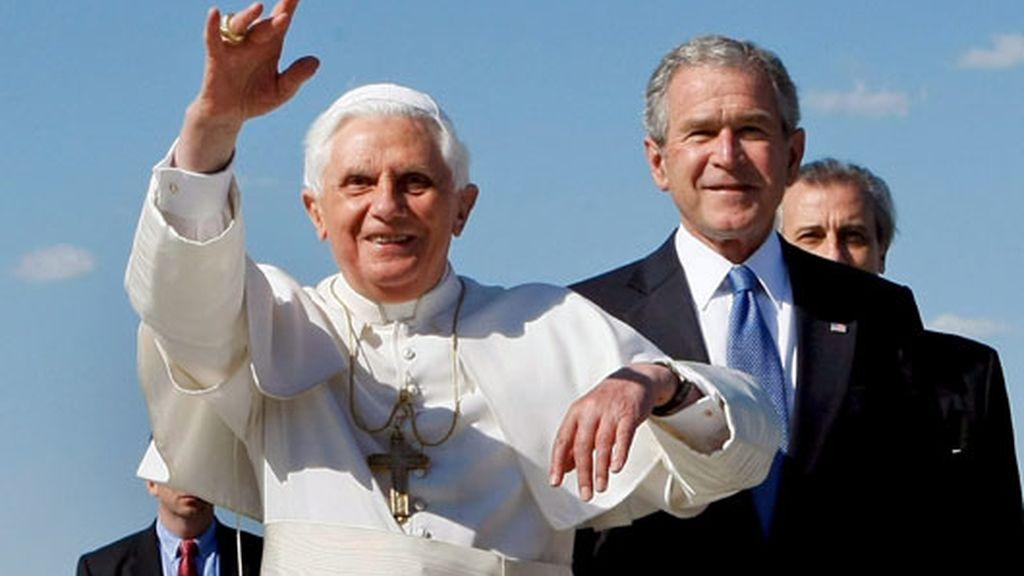 El Papa Benedicto XVI inicia su primera visita pastoral a Estados Unidos