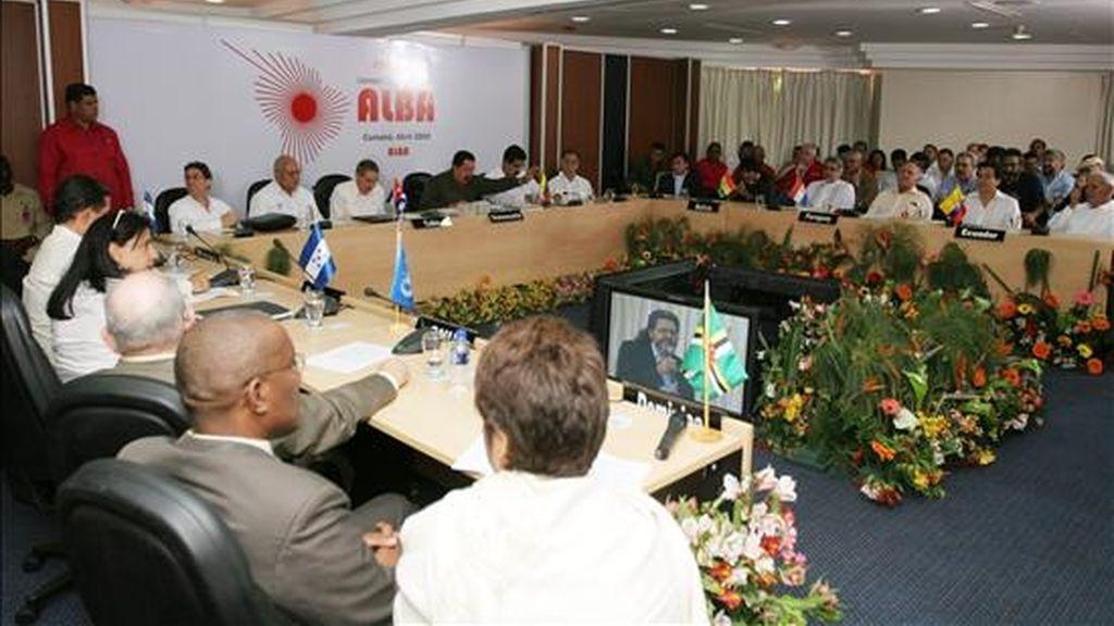 Aspecto general la VII Cumbre de la Alternativa Bolivariana para los Pueblos de Nuestra América (ALBA) en el hotel Cumanagoto de Cumaná (Venezuela), el pasado 17 de abril de 2009. EFE/Archivo