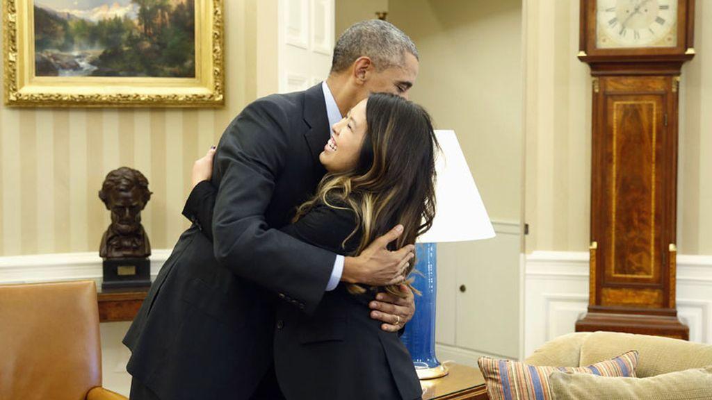 Barack Obama recibe en la Casa Blanca a la enfermera Nina Pham