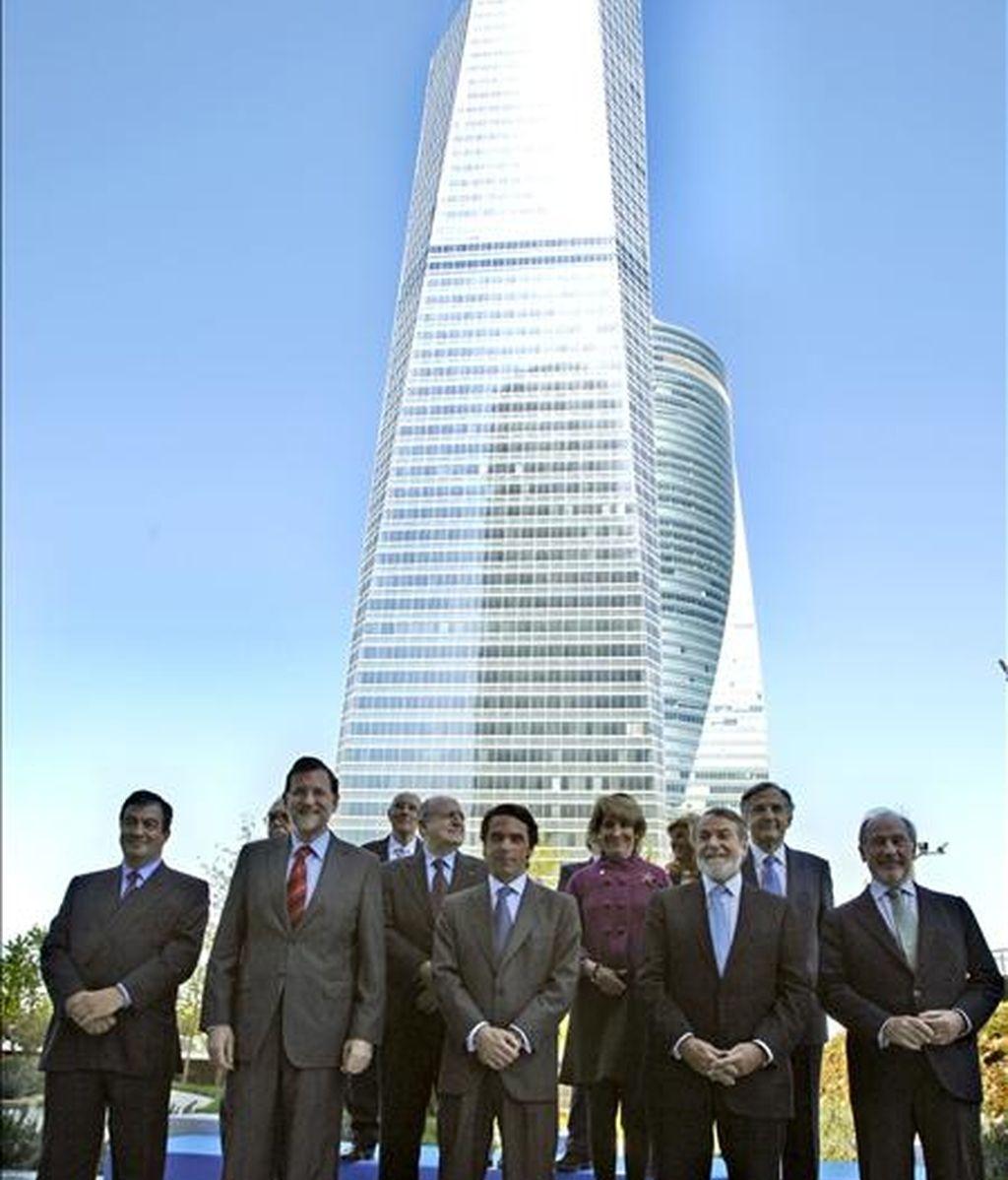 El ex presidente del Gobierno, José María Aznar, reúne a su equipo de 1996. Video: Informativos Telecinco.