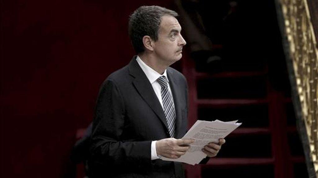 El presidente del Gobierno, José Luis Rodríguez Zapatero, durante la sesión de control al Ejecutivo celebrada hoy en el Congreso de los Diputados. EFE