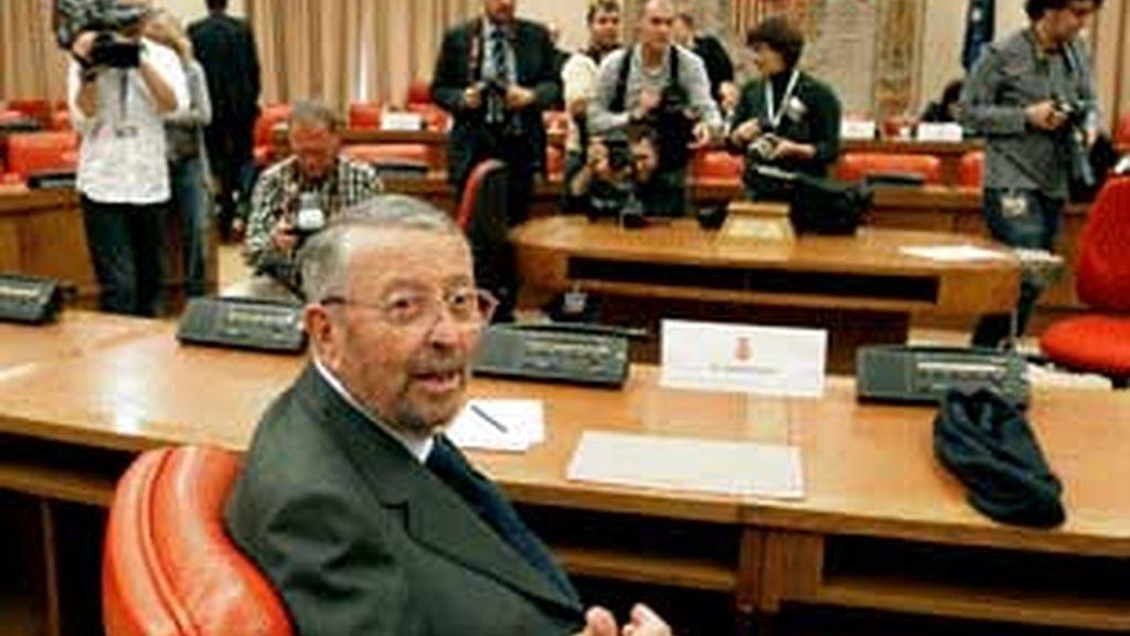 """El nuevo presidente, Oliart, seguró en su diagnóstico de la situación de la cadena pública que le va a """"faltar dinero"""". FOTO: EFE / Archivo"""