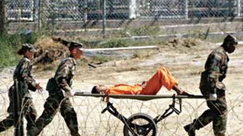 Obama firmó el cierre de Guantánamo nada más ser investido presidente de EEUU.