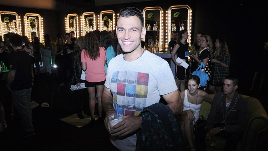 El chef Darío Barrio en el kissing room tras el desfile de Amaya Arzuaga