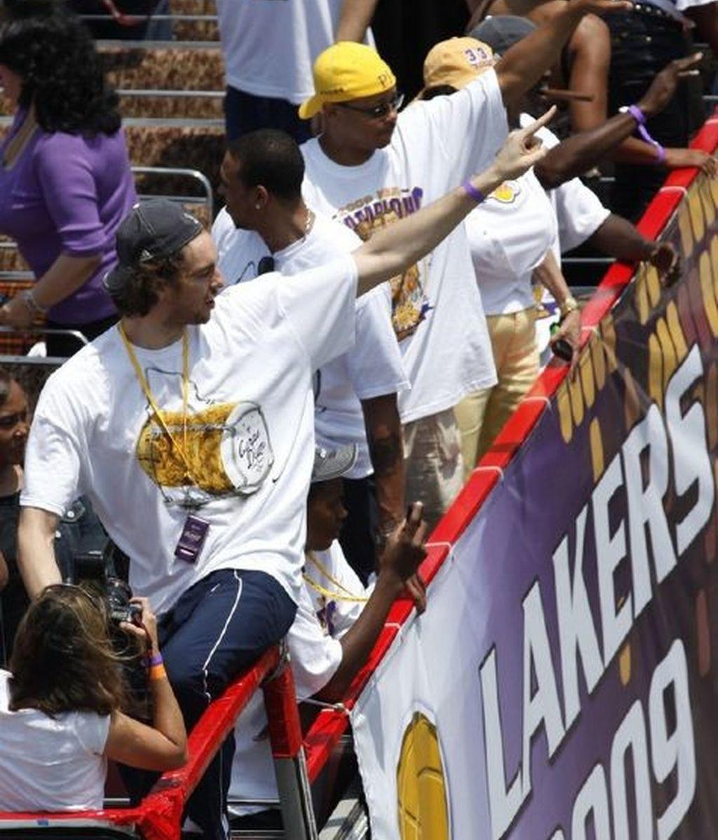 Los Lakers celebran la victoria