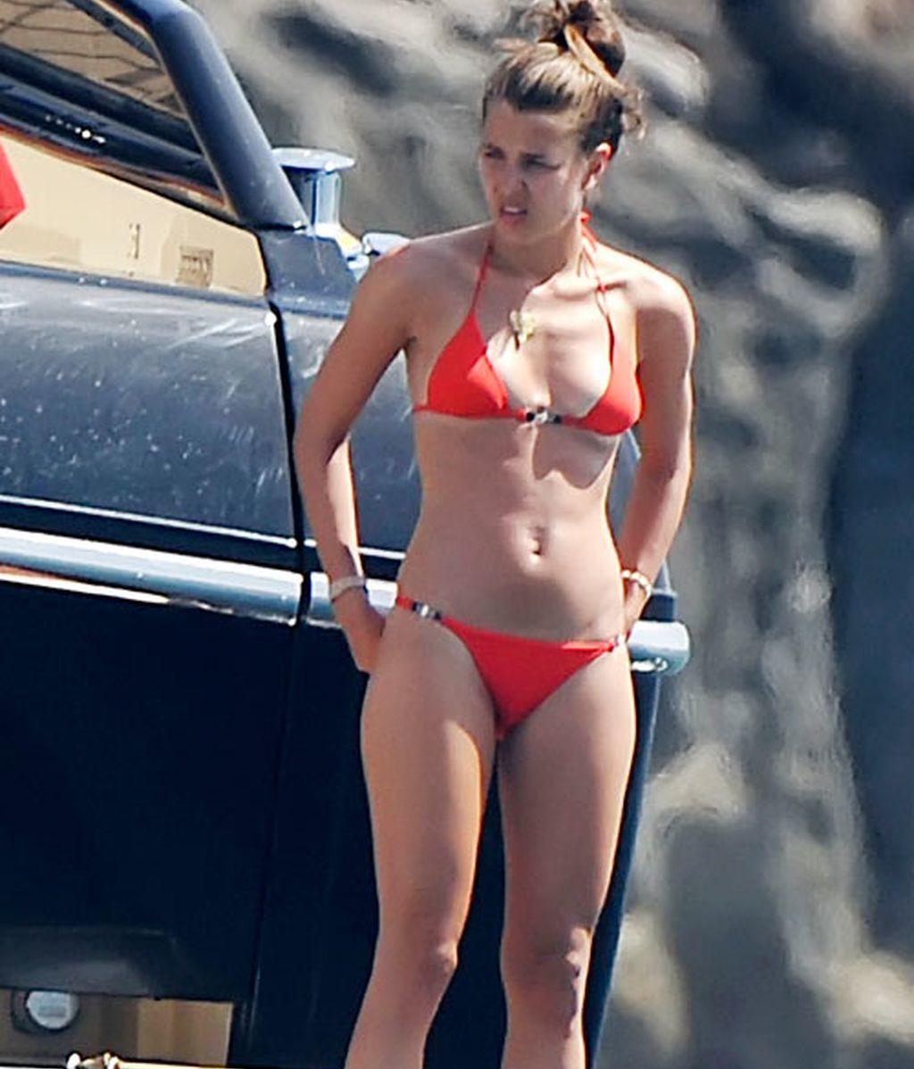 Bridgette the midget free nude lesbian