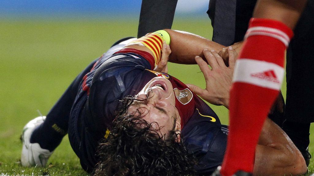 Puyol sufrió en Lisboa una luxación en su codo izquierdo y tuvo que ser retirado en camilla el mismo día que volvía a los campos de juego tras dos semanas en el dique seco.