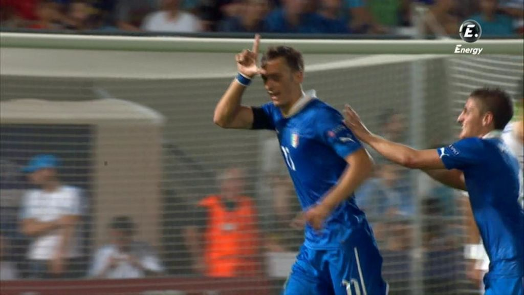 Gabbiadini marcó el segundo de Italia antes del descanso
