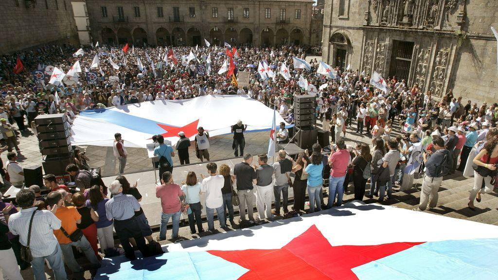 Multitudinaria manifestación del BNG en Santiago de Compostela