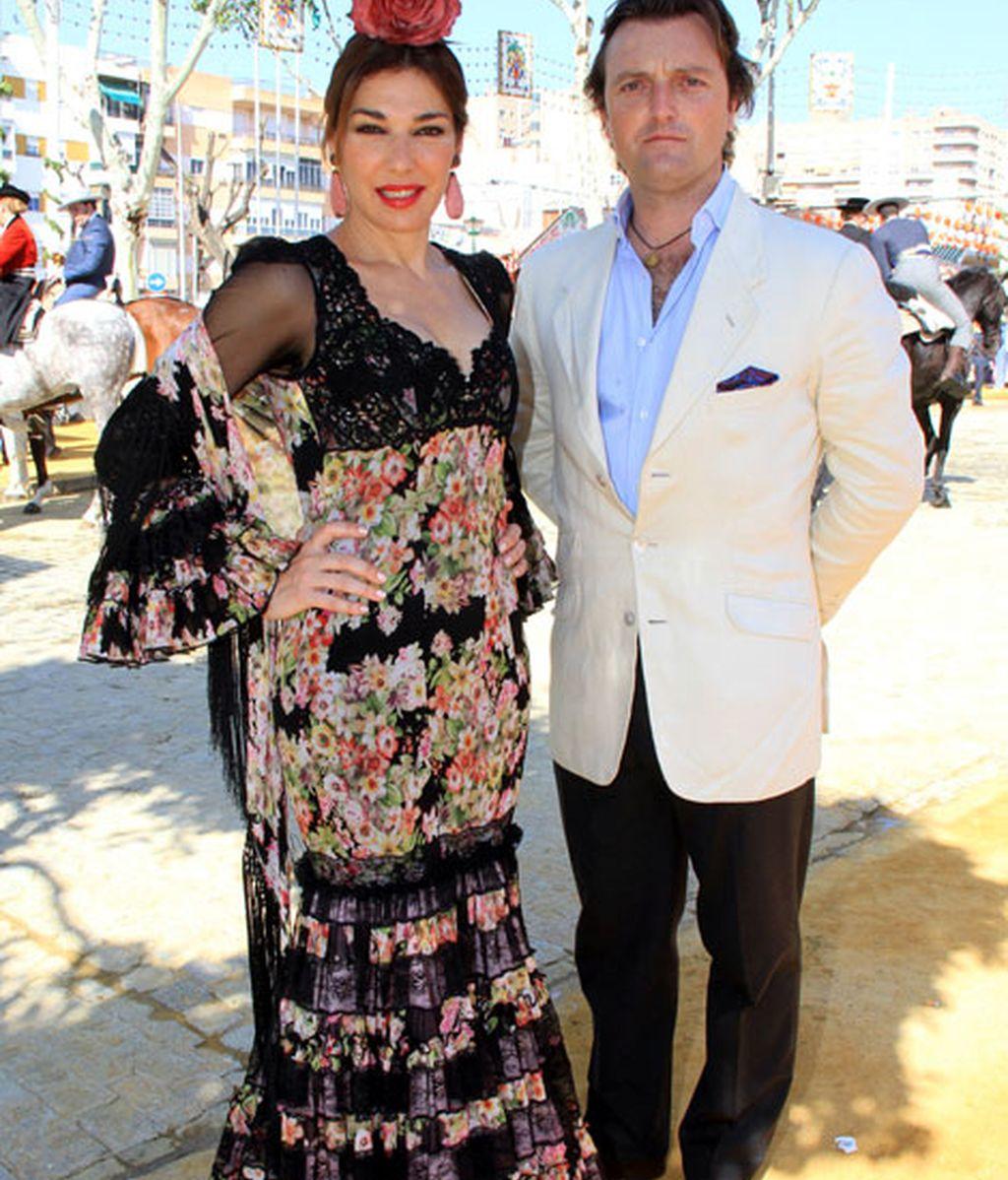 Raquel Revuelta y 'El Tato' no esconden su amor
