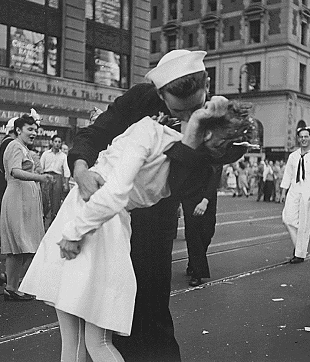 Muere el marinero, portada de Life, que besó a una enfermera en Times Square